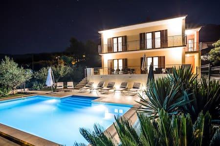 Split-villas.com for 12 visit us - Split - Villa