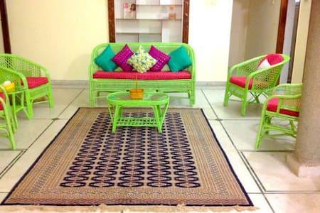 ZEN bedroom  in Cheerful Spacious 3BR Apt - Appartamento