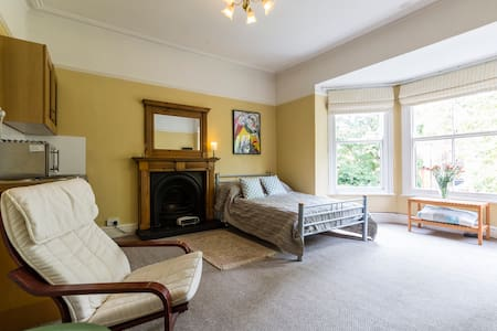 Sefton Park studio room - Liverpool