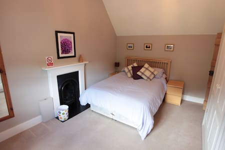 A bedroom in a self contained annex - Bed & Breakfast