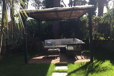 FREGENE casa  con giardino - Fregenae - Apartment