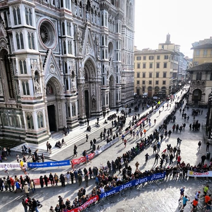 Bird-eye view of the entire Piazza from the window! Taken with my phone during the marathon.