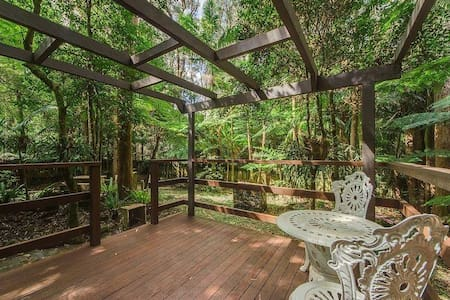 Stone Cottage in Rainforest - Springbrook - House