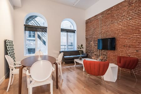 NEW BUINLDING LOFT OLD MONTREAL