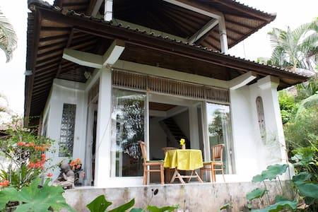Peaceful Cozy Villa in Fab Location