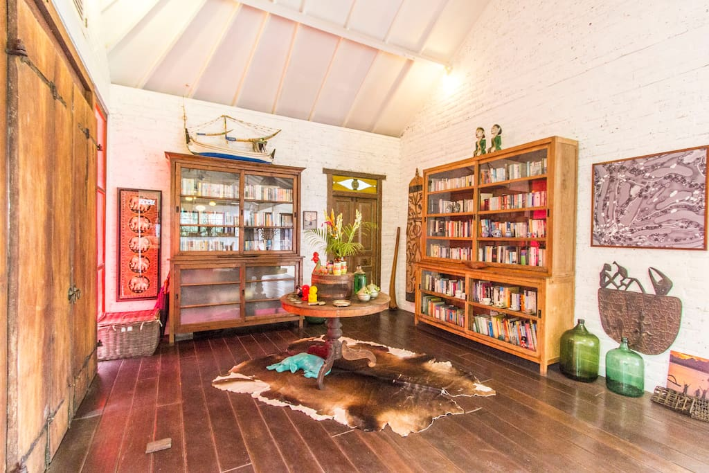 Entrance to the villa with huge library for you to enjoy