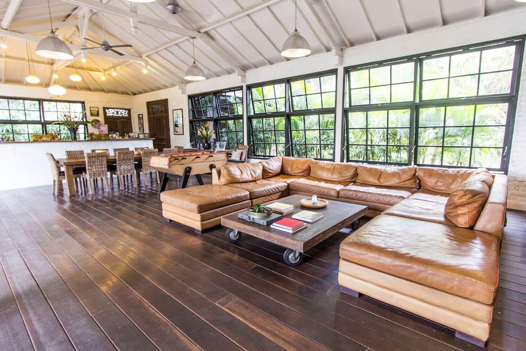 450 sqm designer loft villa sitting on 1450sqm of private, quiet land