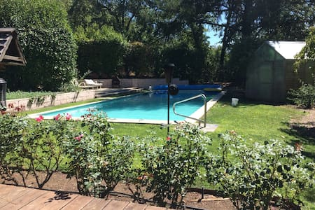 Country Ranch with Pool and Near Wine Country - Ház