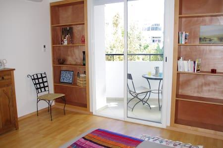 Chambre avec terrasse, douche et WC - Flat