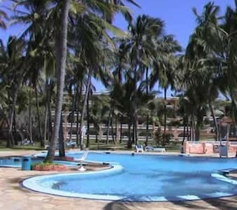 Sun N Sand Beach Resort - Mombasa - Bed & Breakfast