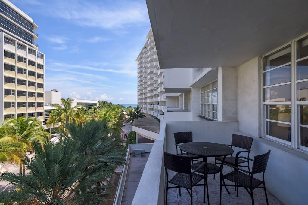 OCEANFRONT, Miami Beach 410