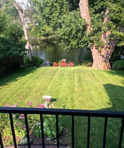 Lovely Waterfront 2 Bedroom 2 Bath home - House