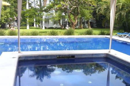 Hacienda Home in Cuautla - Casa
