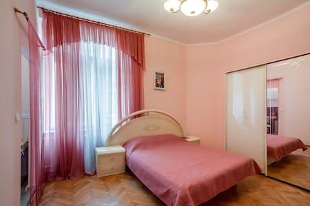 Cozy quiet flat in the Lviv centre! - Wohnung