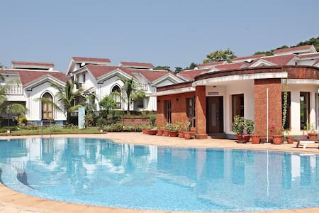 1BHK Apartment at Foothills with Pool and gym - Arpora