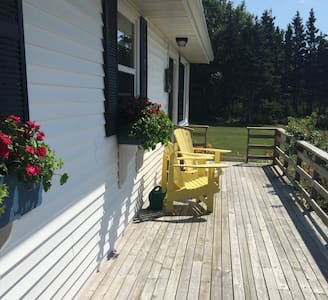 Cozy Waterview Cottage in Stanhope - Kabin