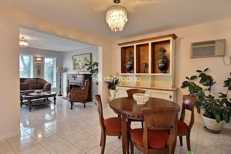 Clean and Classy home ready for U