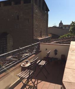 PENTHOUSE ROOM & COSY TERRACE - Florence  - Apartment