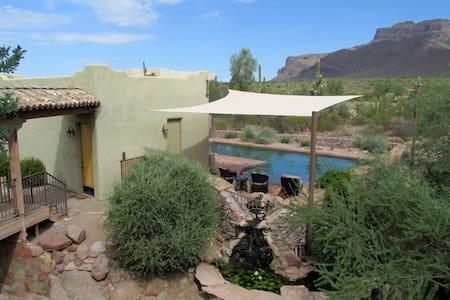 Desert Mountain Poolside Casita - Villa