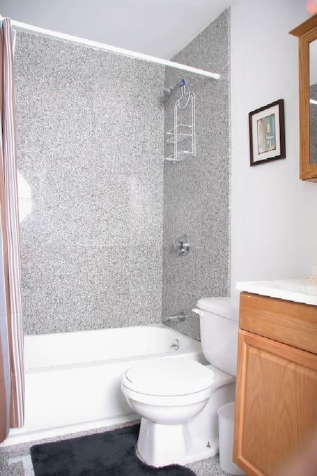 Standard Studio Bath