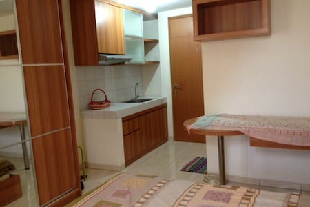 Daily rent-24hr Apartment in depok - Depok