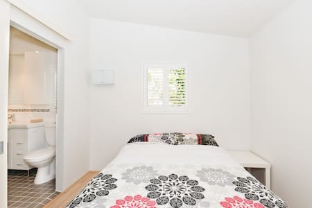 Perth Pearsall Flat 23km From City! - Lägenhet