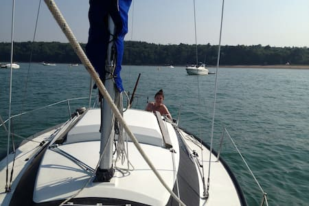 Marina Glamping on cosy yacht - Boot