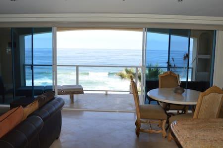 Time to Escape- Ocean Front Vacation Rental, Baja - Rosarito - Lyxvåning
