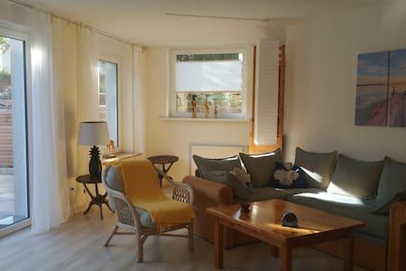 Souterrain/Tiefpart. Friedland 3 KM - Apartamento