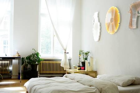 Arty flat in Berlin- Kreuzberg - Berlin - Appartement