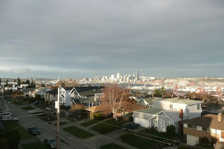 Panoramic West Seattle Luxury Home - Seattle - Huis