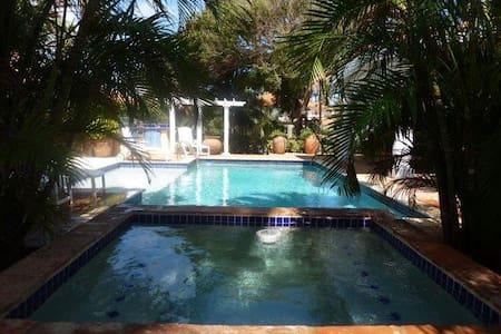 Nune 84 Aruba Villa - Paradera
