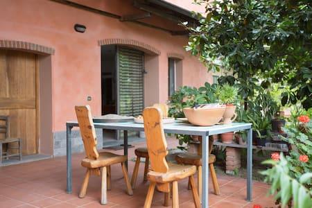 Casa della grande Magnolia - Besate - Bed & Breakfast