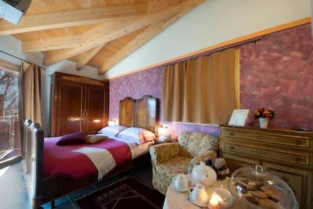 Super room quadrupla Ciliegioelfo - Edolo - Bed & Breakfast