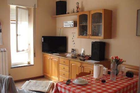 appart. p. terra, 100mq, riscal aut - Apartment
