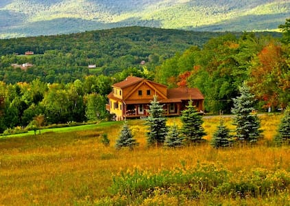 Luxury Catskills Log Cabin - Ház