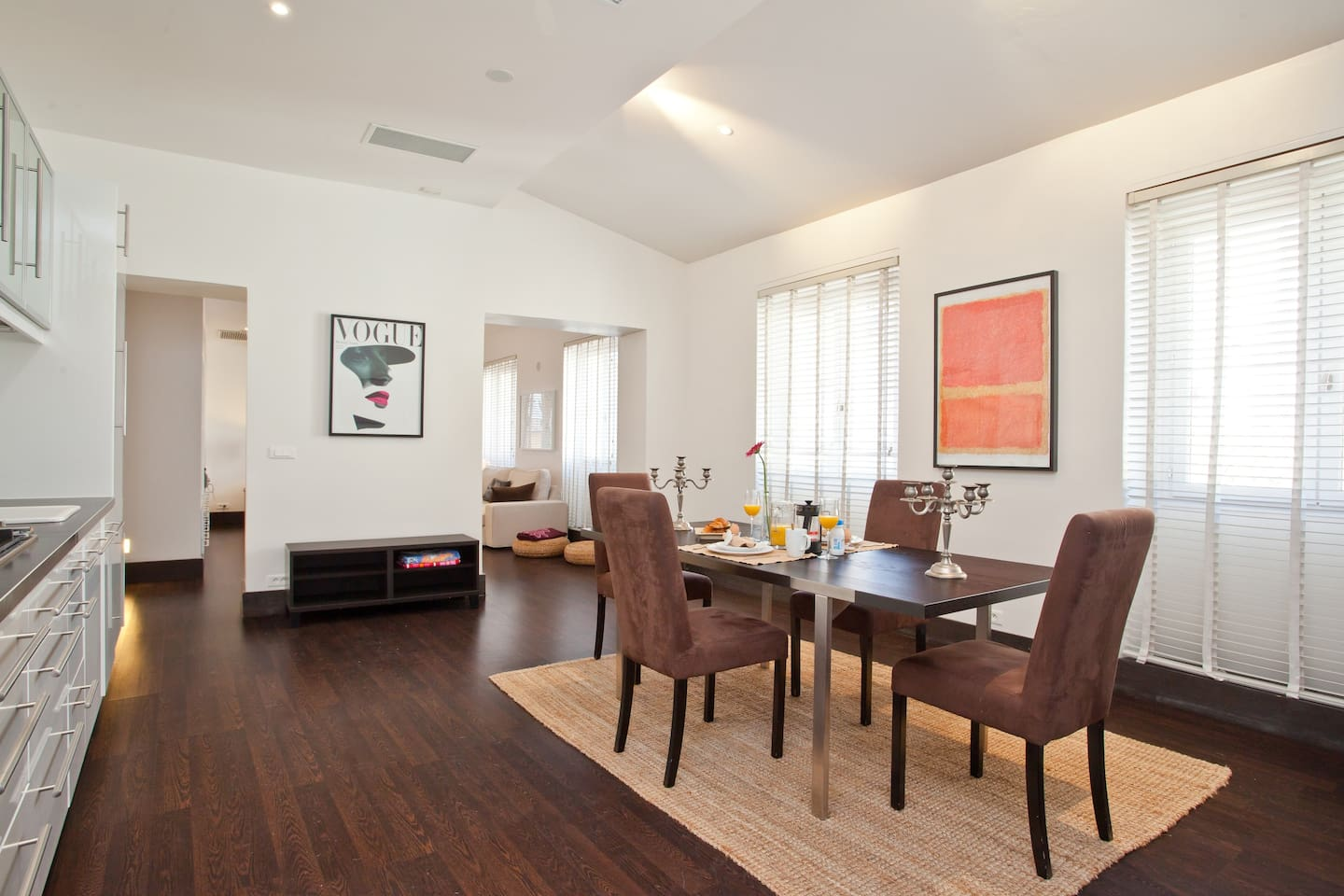 Bright, airy, enormous fully equipped kitchen & dining room