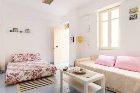 The Mykonos Cottage, Centre Unique!