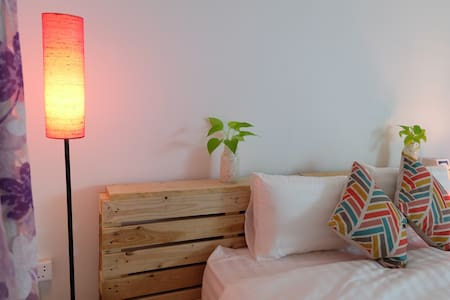 Large Cozy Room, Central Phnom Penh - Wohnung