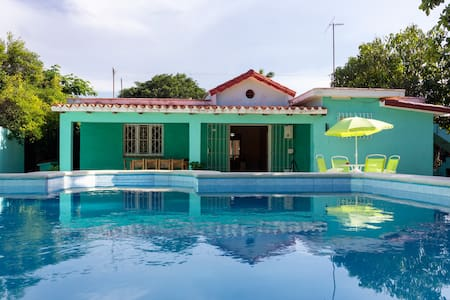 Casa Verde, Modern, with pool, in Havana Beach! - Talo