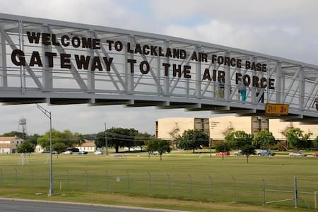 No Cancellation Charges, Close to Lackland AFB - San Antonio