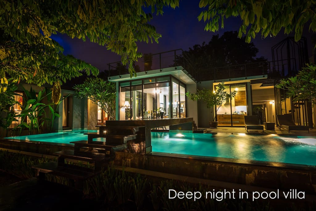 Deep Night In Pool Villa Houses For Rent In