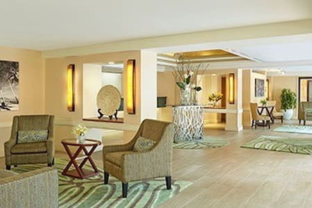 Gorgeous Furnished Waikiki Studio