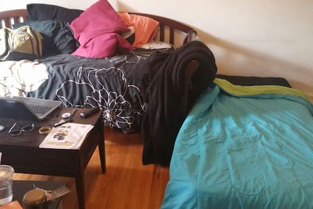 Extra bed in Studio in Boystown - Chicago - Apartment