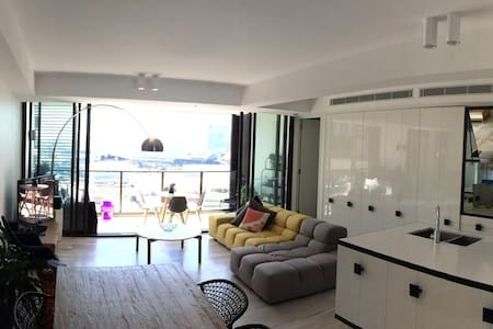 Luxurious 2bed/2bath in Sydney CBD
