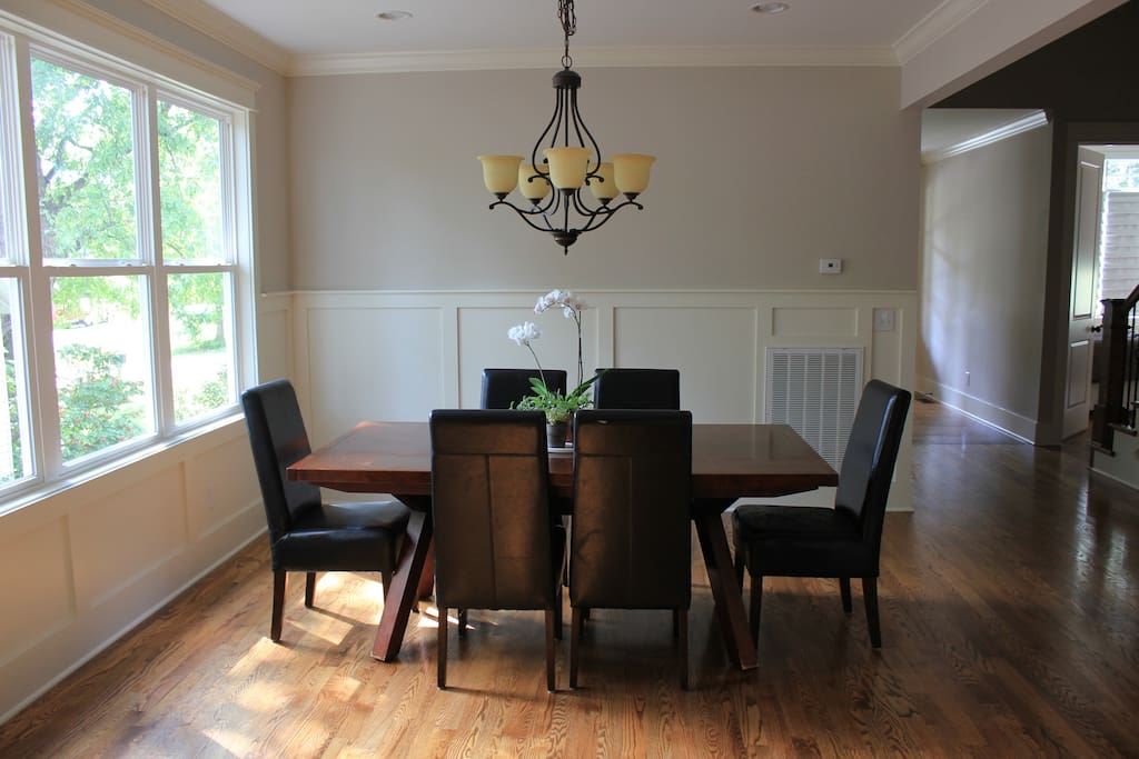 Dining Room - Seats up to 12