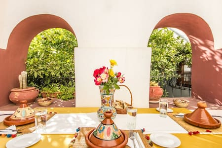 Welcome to Riad Perle d'Orient During your stay, our staff will always do its utmost to ensure you a pleasant holiday Feel free to ask us questions about the city and these secrets We are here to help you better know our city