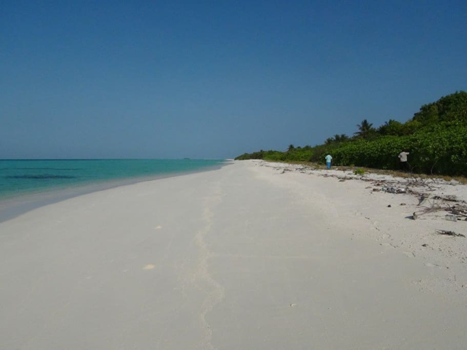 Fulhadhoo south beach