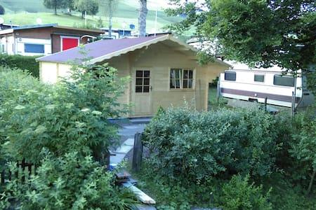 SWISS COTTAGE mit Gemeinschaftsbad - Cottage