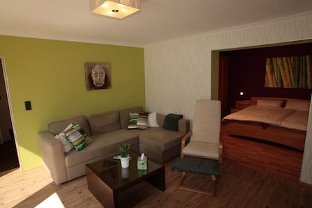 Moderne Komfort-Ferienwohnung WiFi - Appartement